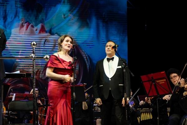 Юлия Маркитанова и Андрей Макаров на концерте «Релакс в большом городе»