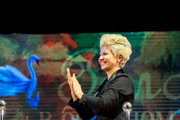 Дирижер - заслуженный деятель искусств Чувашской Республики Наталья Яклашкина